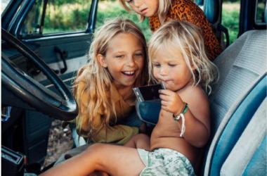 occuper des enfants en voiture