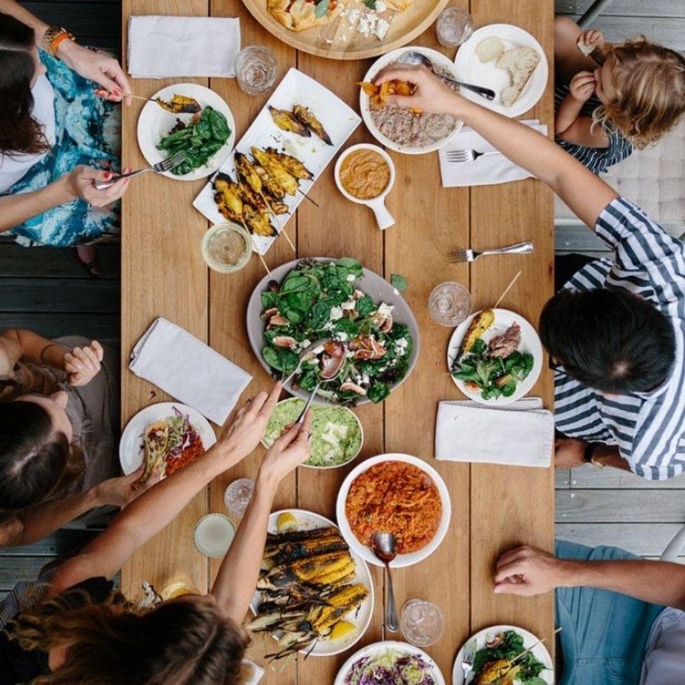 Recettes de Grand-Mère : sans restaurants, les familles françaises se réinventent !