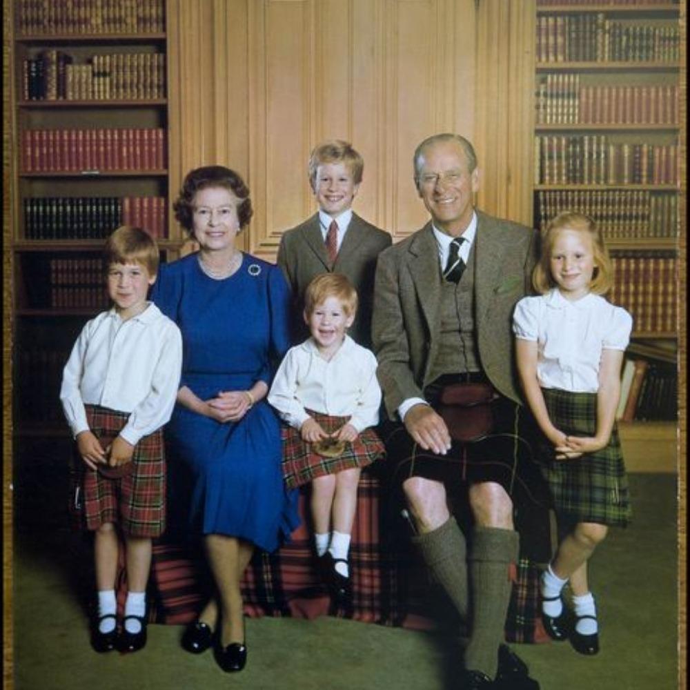 Le Prince Philip et la Reine Elizabeth II avec leurs Petits-Enfants