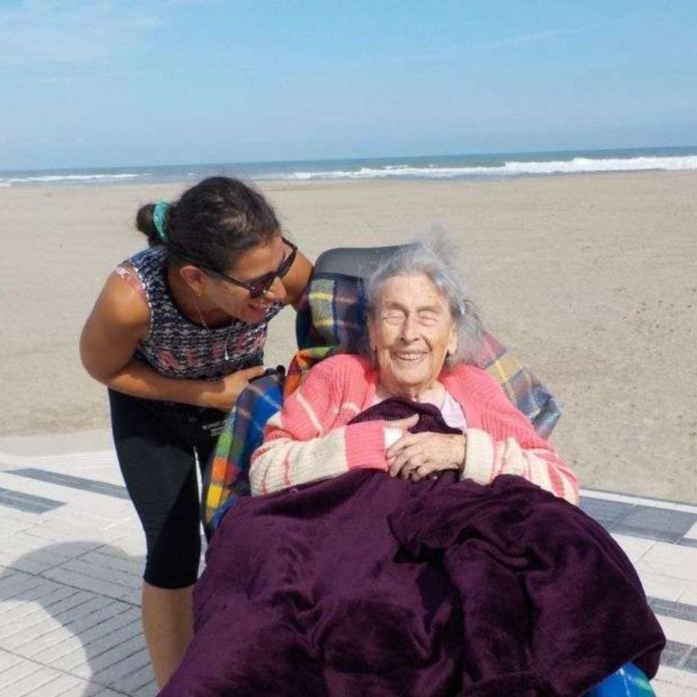 Fiona Lauriol et sa Grand-Mère en tour du Monde