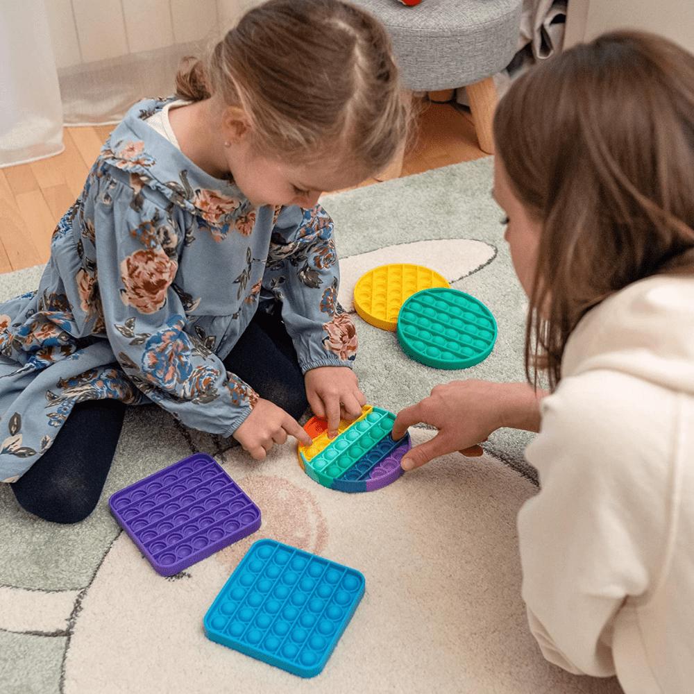 Pop it : le jeu auquel tous les Petits-Enfants jouent en ce moment !